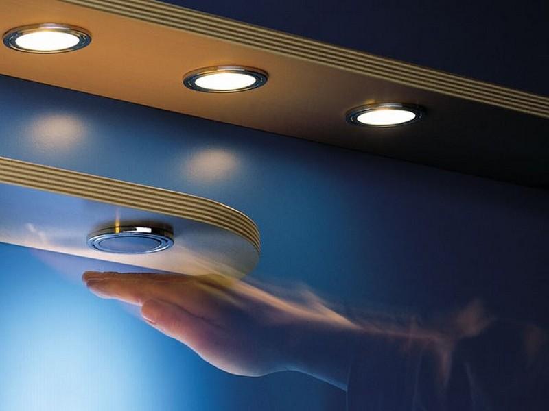 Емкостной выключатель для подсветки
