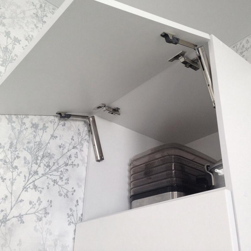 AVENTOS HK-XS - для малых верхних шкафов и шкафа-колонки