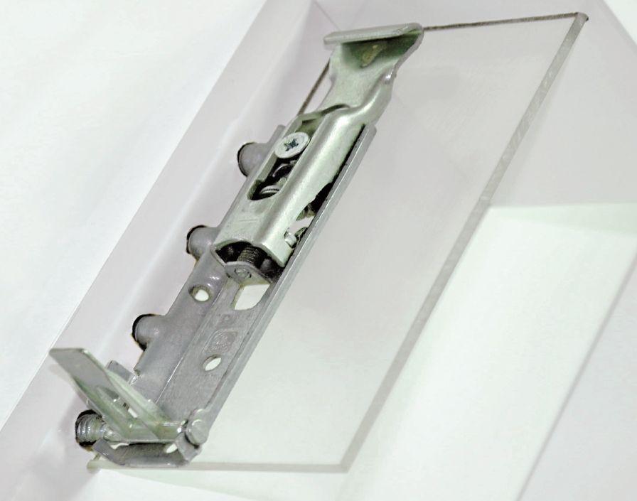 Навеска под запрессовку для подвесных шкафов Traser-6