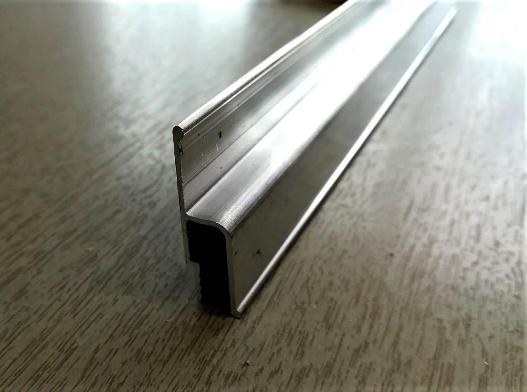 Стеновой  багет для монтажа натяжного потолка