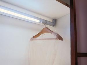 Подсветка шкафа купе, освещение гардеробной комнаты
