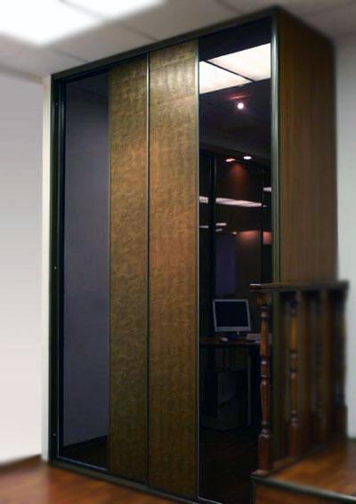 Шкафы купе со вставками из искусственной кожи Сибу Leguan Copper.
