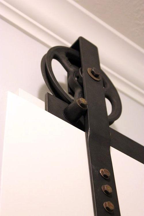 Подвесная раздвижная дверь своими руками