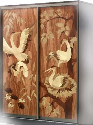 Маркетри - художественное шпонирование на дверях шкафа купе.