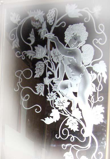 Рельефная пескоструйная обработка на зеркале.