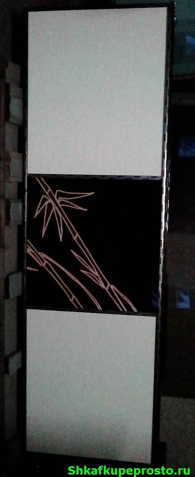 Дизайнерский рисунок на вставках из МДФ на дверях шкафа купе.