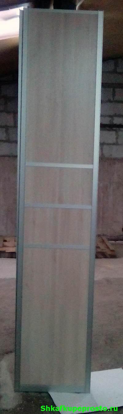 Дверь купе из квадратного в сечении профиля.