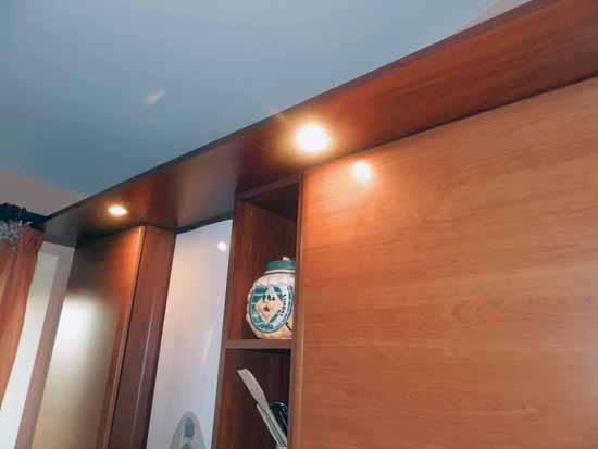 Готовая подсветка в шкафу