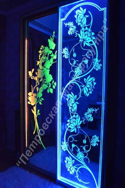 Светодиодная подсветка дверей шкафа купе.