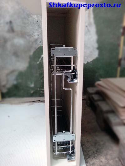 Корзина для моющих средств для тумбы шириной 150 мм.