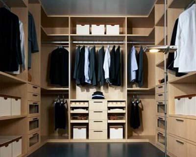 Типичная корпусная гардеробная