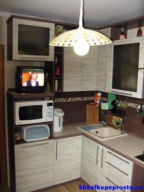 Угловые кухни дизайн проект хрущевка много мебели официальный сайт кухонные уголки